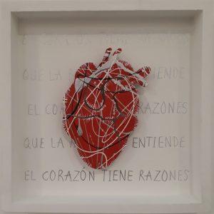 El corazon tiene razones que la razon no entiende 25x25cms